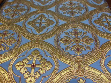 Casa Rodríguez   telas, brocados: http://casarodriguez.artecofrade.com/seccion/11/1/385/telas__brocados.htm