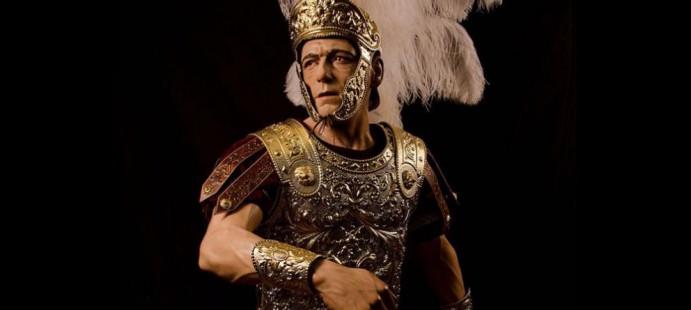 Armadura, casco, mu�equeras y gladius para romano-Realizado para imagen secundaria para la localidad de Utrera, Sevilla.