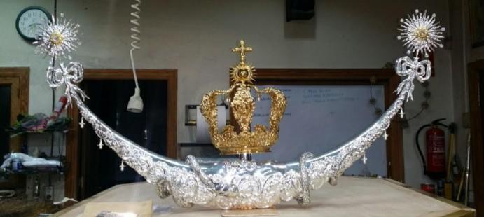 Corona y media luna para Málaga-Realizada para la Virgen del Rocío de Málaga